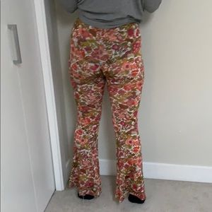 High waisted bell bottom stretchy pants like new